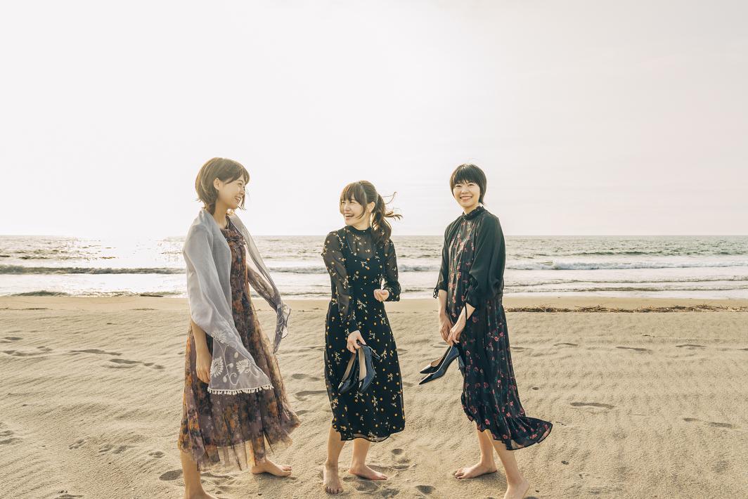 新潟発アイドル・ユニットNegiccoのNao☆とMeguとKaede