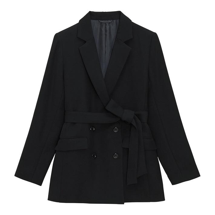 GU秋のコーデベルテッドジャケット